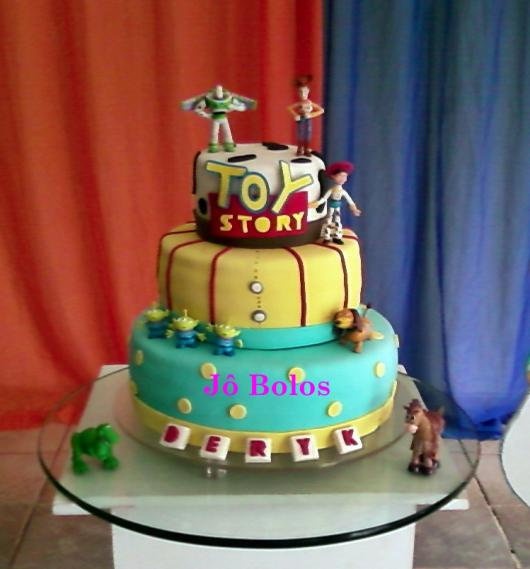 Quanto mais ornamentado, mais atrativo fica o bolo!