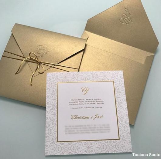 envelope dourado