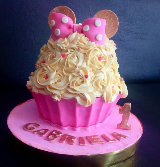 cupcake gigante rosa da Minnie