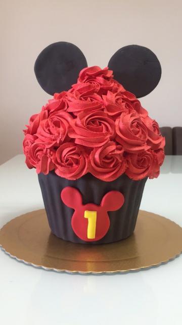 cupcake com efeito lindo do chantilly