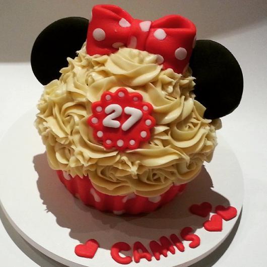 Cupcake ideal para completar a festa da Minnie