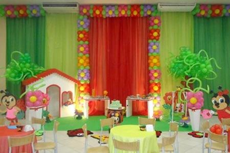 Decoração com tecido em festa infantil com Tema Joaninha