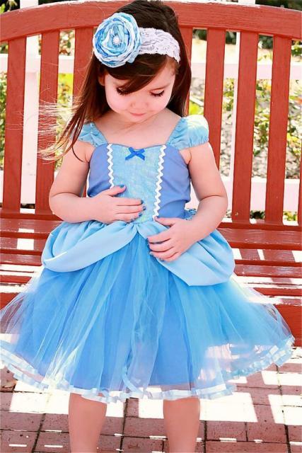 fantasia infantil com vestido simples