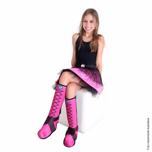 O preto e o pink são as cores marcantes de Draculaura