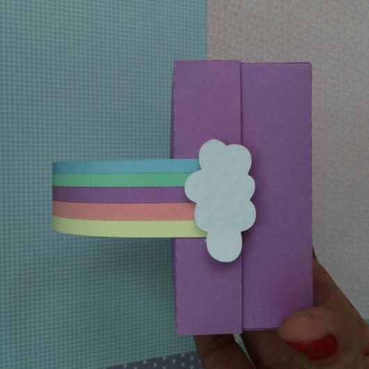 Convite em EVA para festa arco-íris