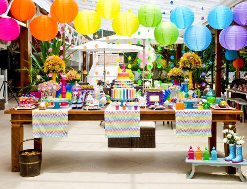 Decoração para Festa Arco-Íris com balões