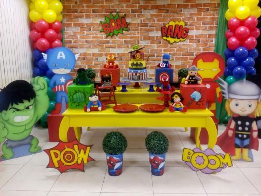 Festa Super-Herói baby e provençal super colorida