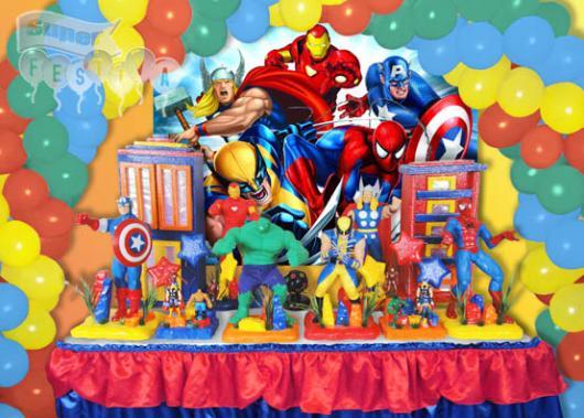 Um lindo painel com os protagonistas da Marvel