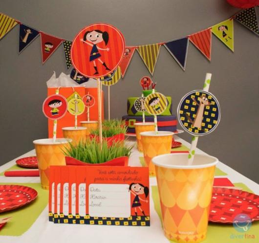 Veja como a festa pode ser decorada com a ajuda do Kit Festa Show da Luna