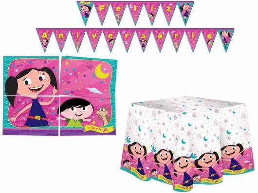 Bandeirolas, painel e toalha para festa Show da Luna