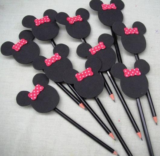 Lembrancinha simples ponteira de lápis da Minnie