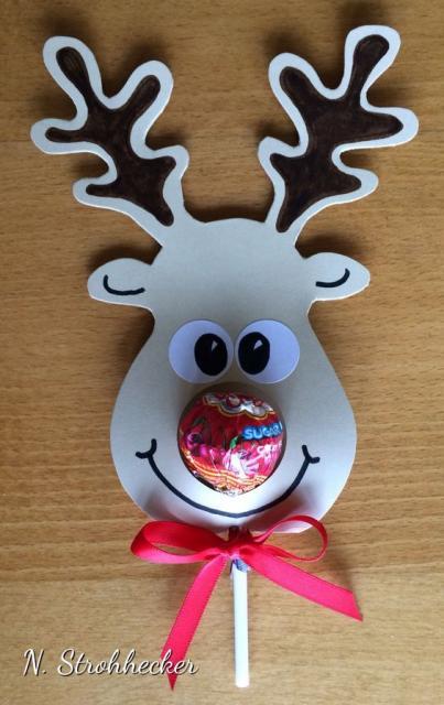 Lembrancinha simples para Natal pirulito personalizado com aplique de rena