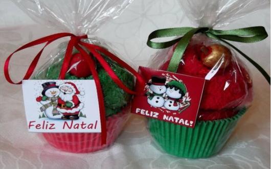 Lembrancinha simples para Natal cupcake personalizado