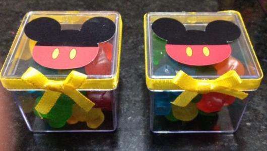Lembrancinha simples do Mickey caixinha de acrílico personalizada