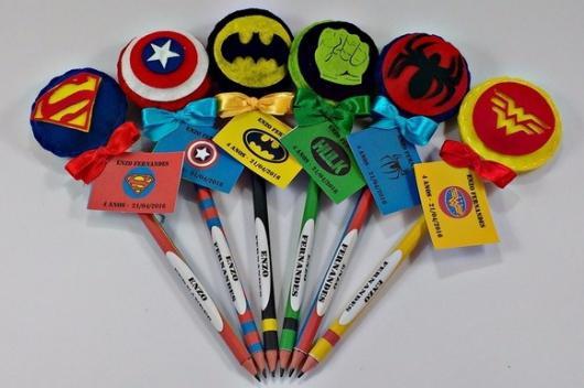 Lápis personalizado e colorido