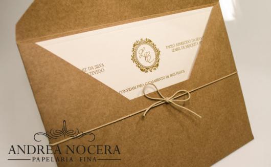 Papel para convite: convite de casamento em papel kraft com fio encerado
