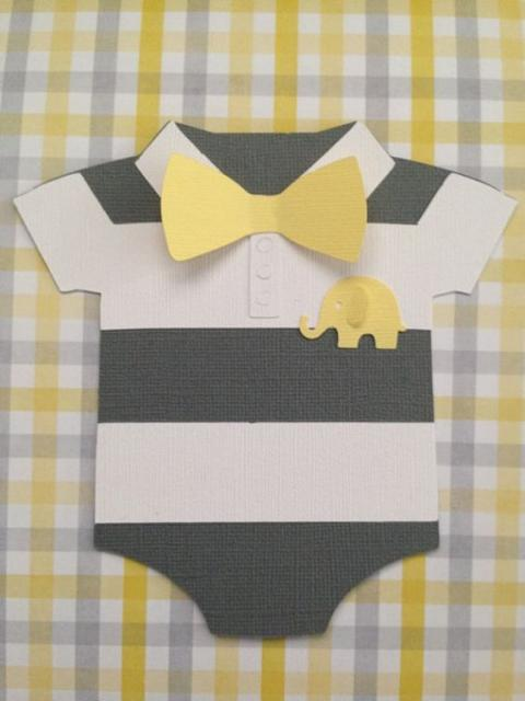 Papel para convite: convite de chá de bebê com formato de roupinha em papel canson