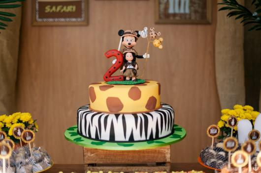 Bolo de aniversário de 2 anos tema Mickey Safari