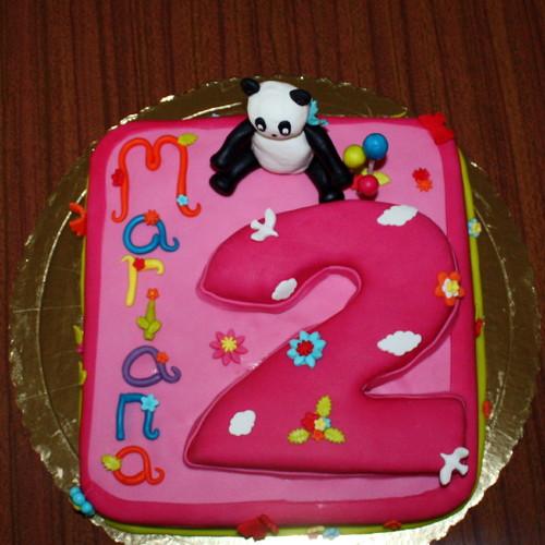 Modelo de bolo quadrado para festa de 2 anos