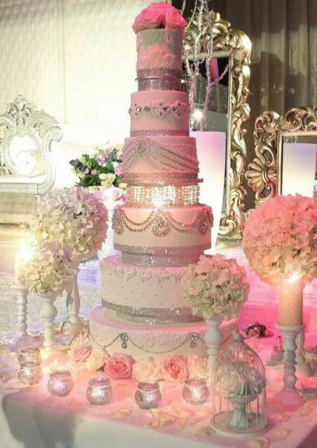 Bolos diferentes de casamento rosa e branco