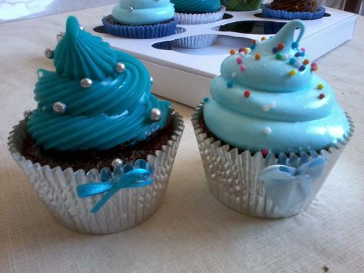 Cupcake Chá de Bebê: Decorado com chantilly azul
