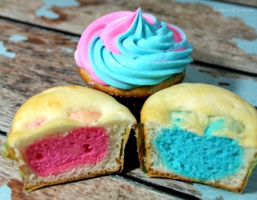 Cupcake Chá Revelação Azul e rosa