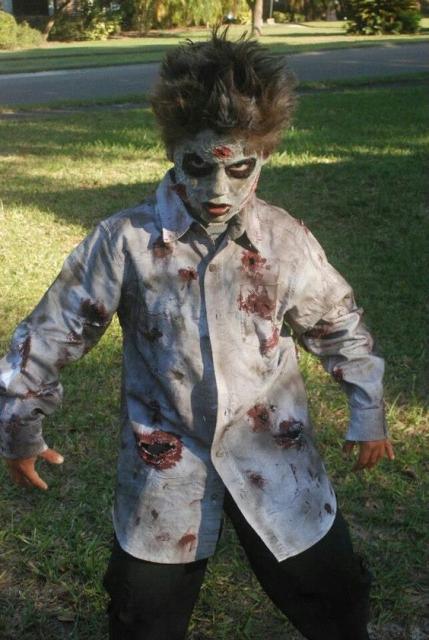 Fantasia de zumbi infantil: Com camisa branca