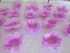 Forminhas para doces finos de papel crepom lilás
