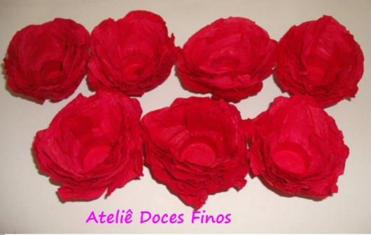 Forminhas para doces finos de papel crepom vermelha