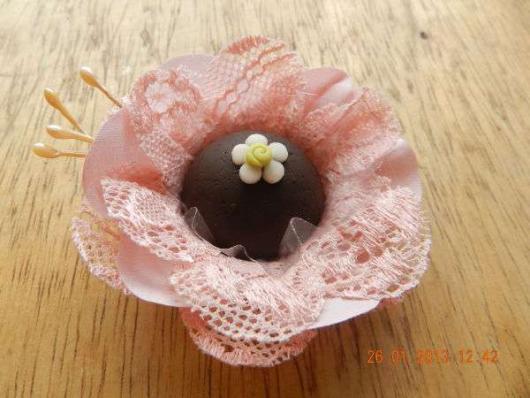 Forminhas para doces finos de tecido: Rosa com renda