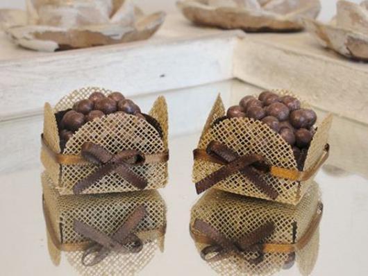 Forminhas para doces finos de juta