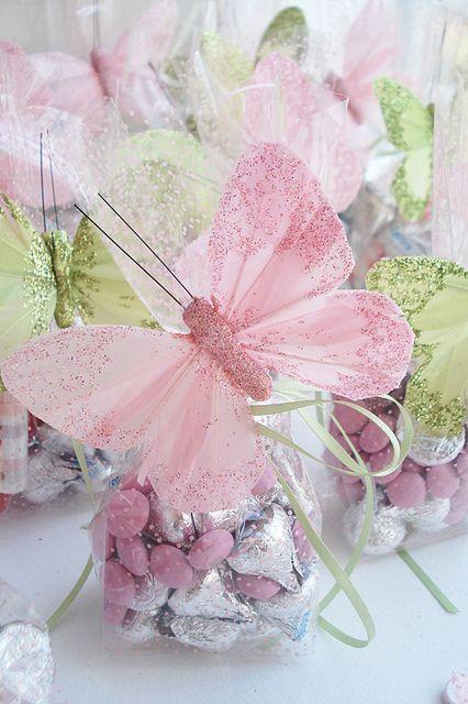Lembrancinhas Primavera saquinho de chocolates com aplique de borboleta