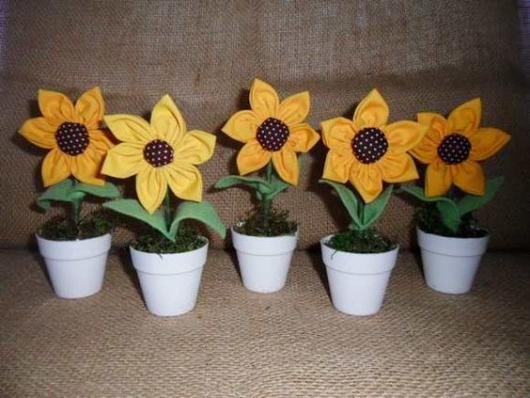 lembrancinhas primavera: Vasinho com girassol de tecido
