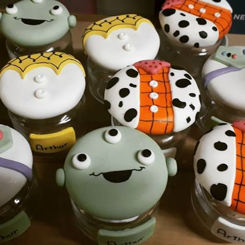 Veja como os potes ficam fofos com biscuit decorado