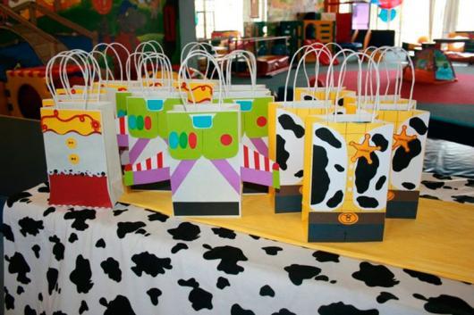 Faça sacolas diferentes para festa do toy Story