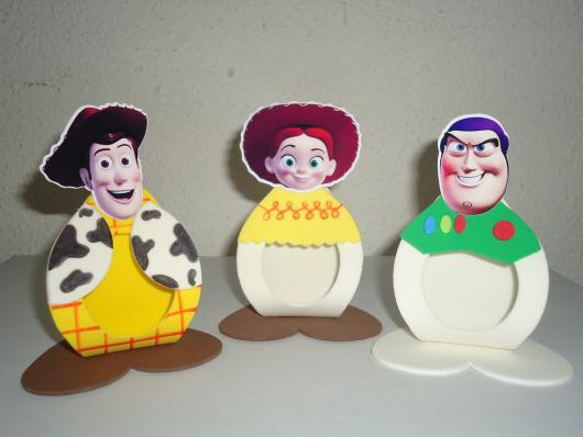 O porta bombons é opção de lembrancinha simples Toy Story