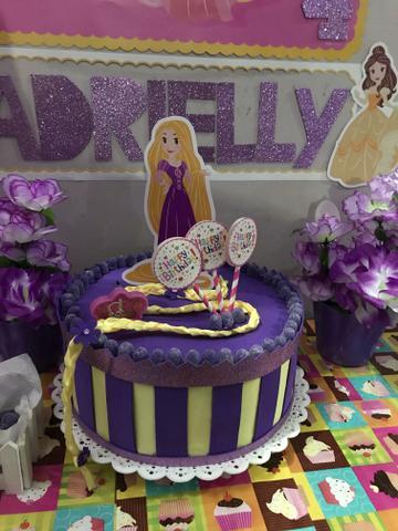 Bolo fake de EVA da Rapunzel
