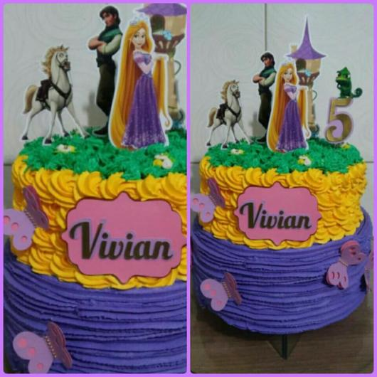 Enfeites de papel ajudam a decorar o bolo temático da Rapunzel
