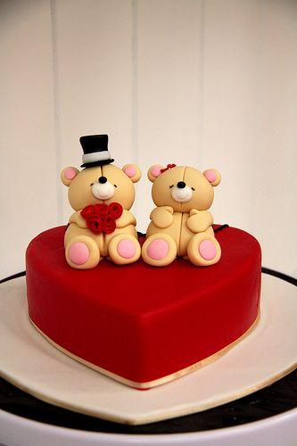Bolo de coração de pasta americana: Com casal de ursinhos