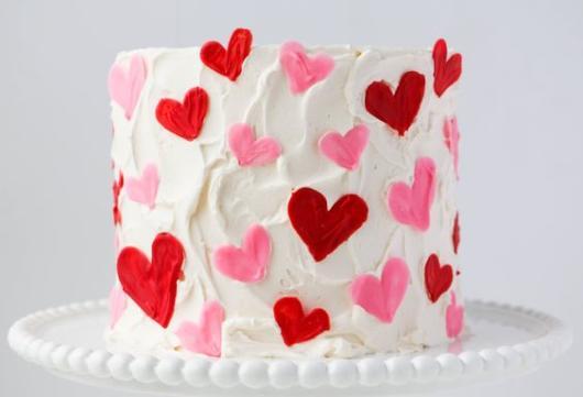 Bolo de coração para Dia das Mães: Com chantilly
