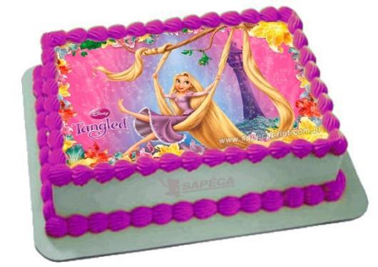 Bolo quadrado decorado com papel de arroz da Rapunzel