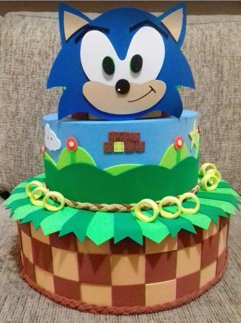 Os bolos cenográficos também estão na moda! São perfeitos para incrementar a decoração da sua festa!
