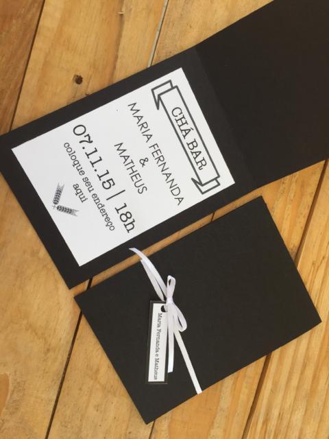 Chá Bar: Convite com envelope preto
