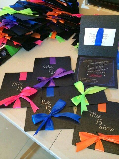 Como organizar uma festa de 15 anos: Convite Festa Neon