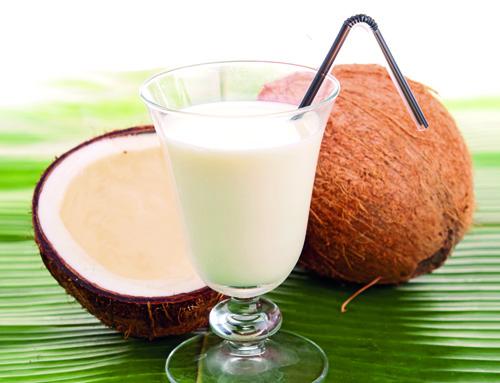 Como organizar uma festa de 15 anos: Cardápio com frape de coco