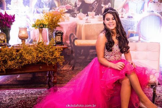 Como organizar uma festa de 15 anos: Vestido para debutante rosa