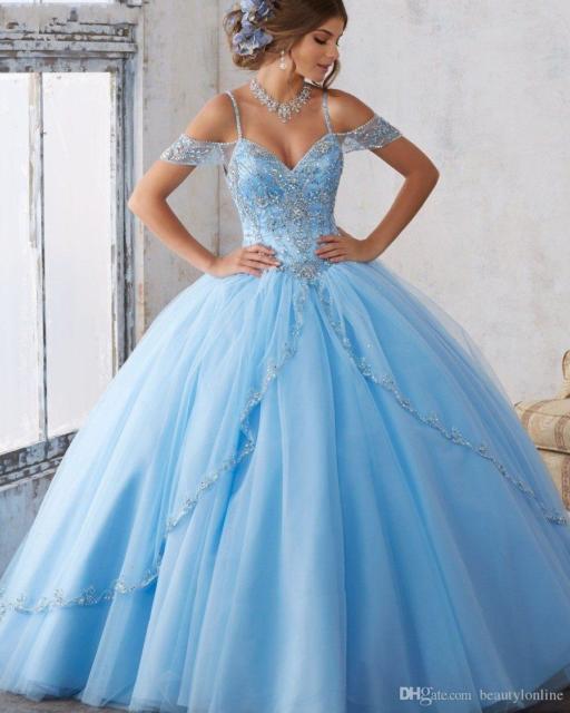 Como organizar uma festa de 15 anos: Vestido para debutante azul
