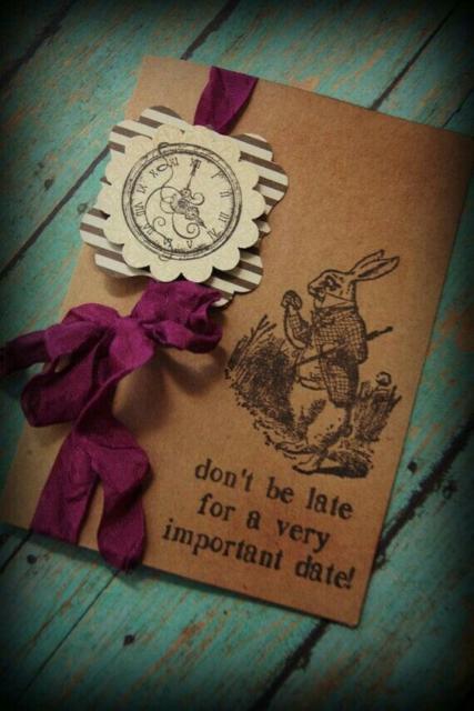 Convite Alice no País das Maravilhas: Com papel kraft