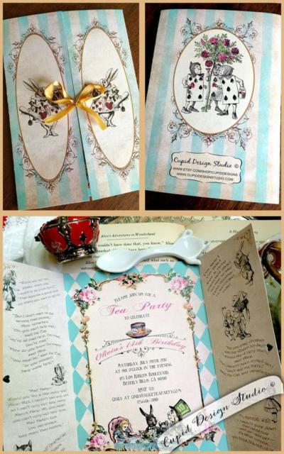 Convite Alice no País das Maravilhas: Janela azul e branco