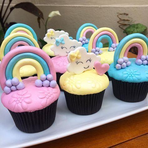Cupcake Chuva de Amor: Decorado com arco-íris
